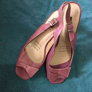 Authentic Andre Valentino slingback pumps
