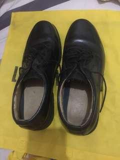 REPRICED!! BRANDED STAFFORD black shoes for men