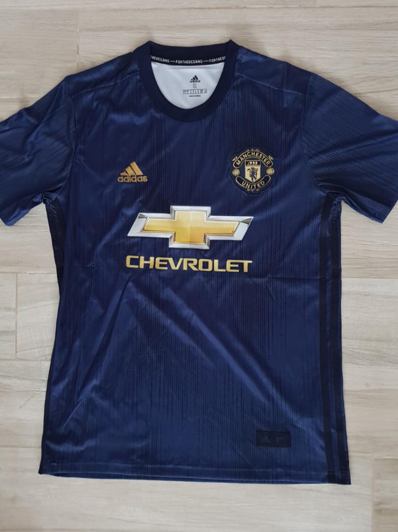 huge selection of a7ab5 46d4e Manchester United 3rd kit 2018/2019, Sports, Sports Apparel ...
