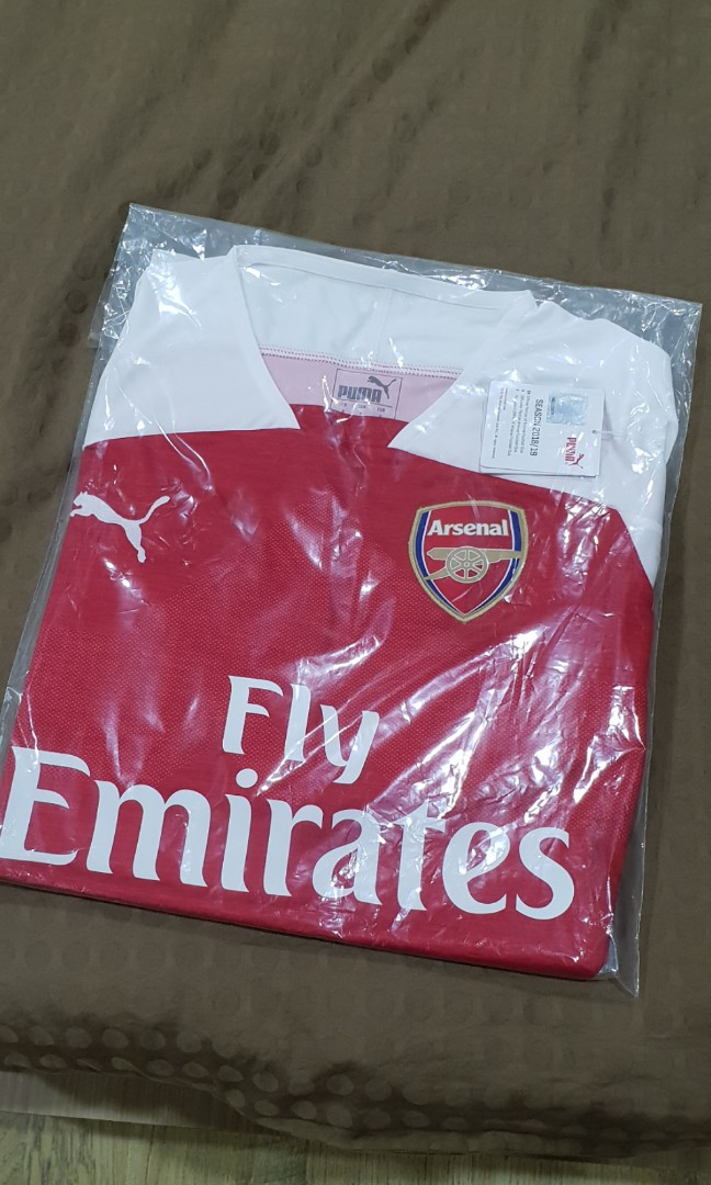 7817a711c13 Original Arsenal Home 18/19 Jersey, Sports, Athletic & Sports ...