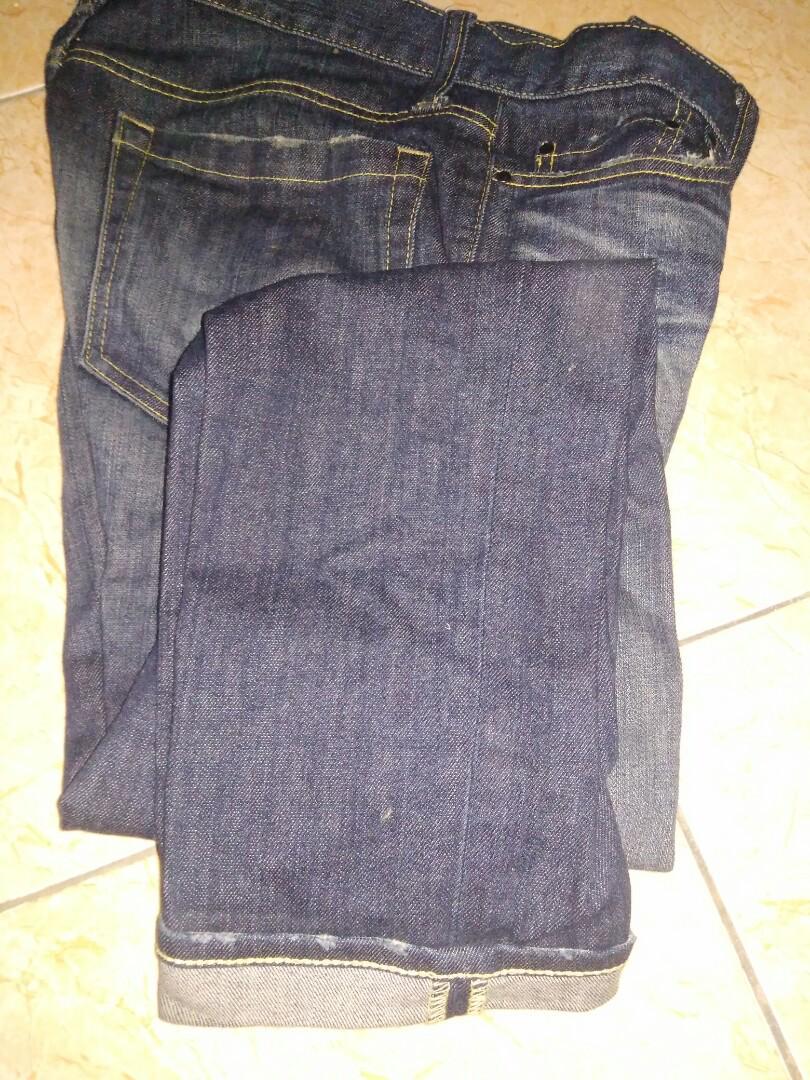 Uniqlo jeans size 32