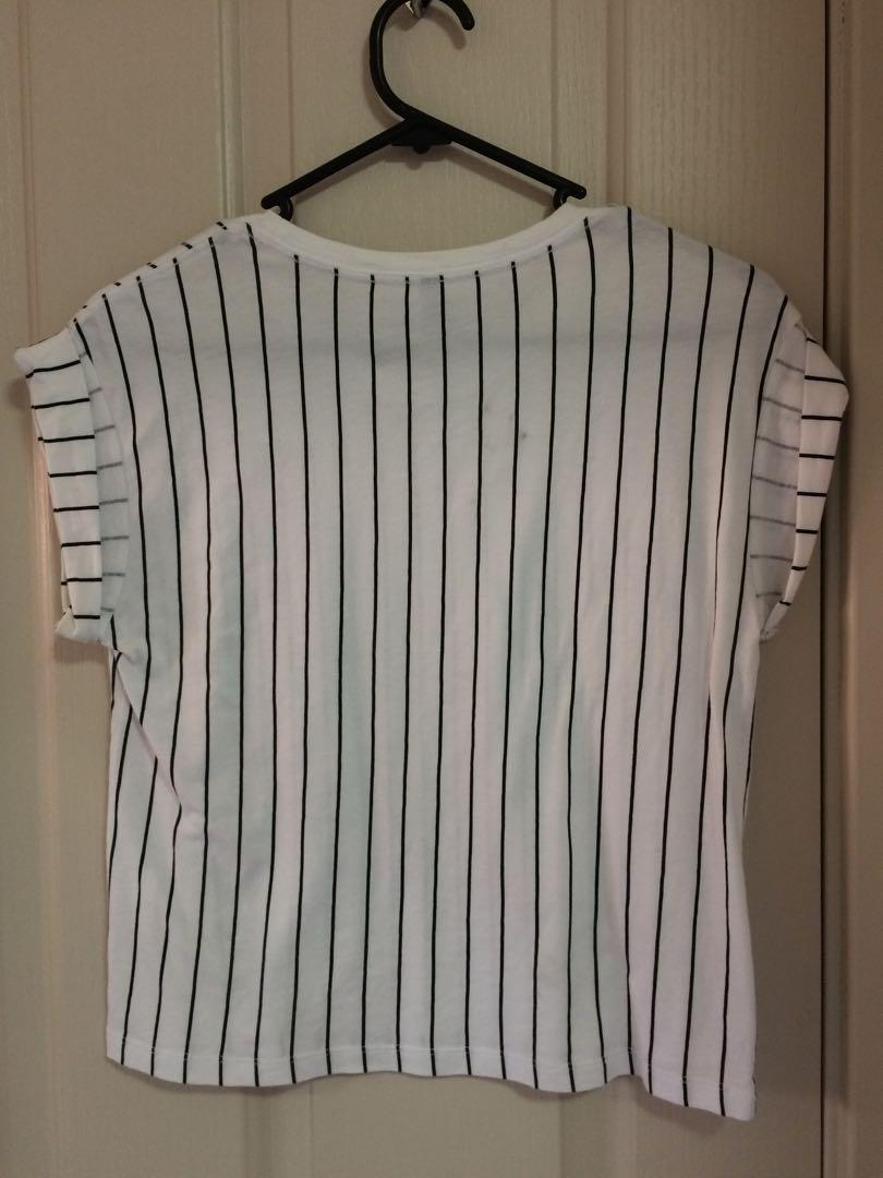 White vertical stripe cropped tee