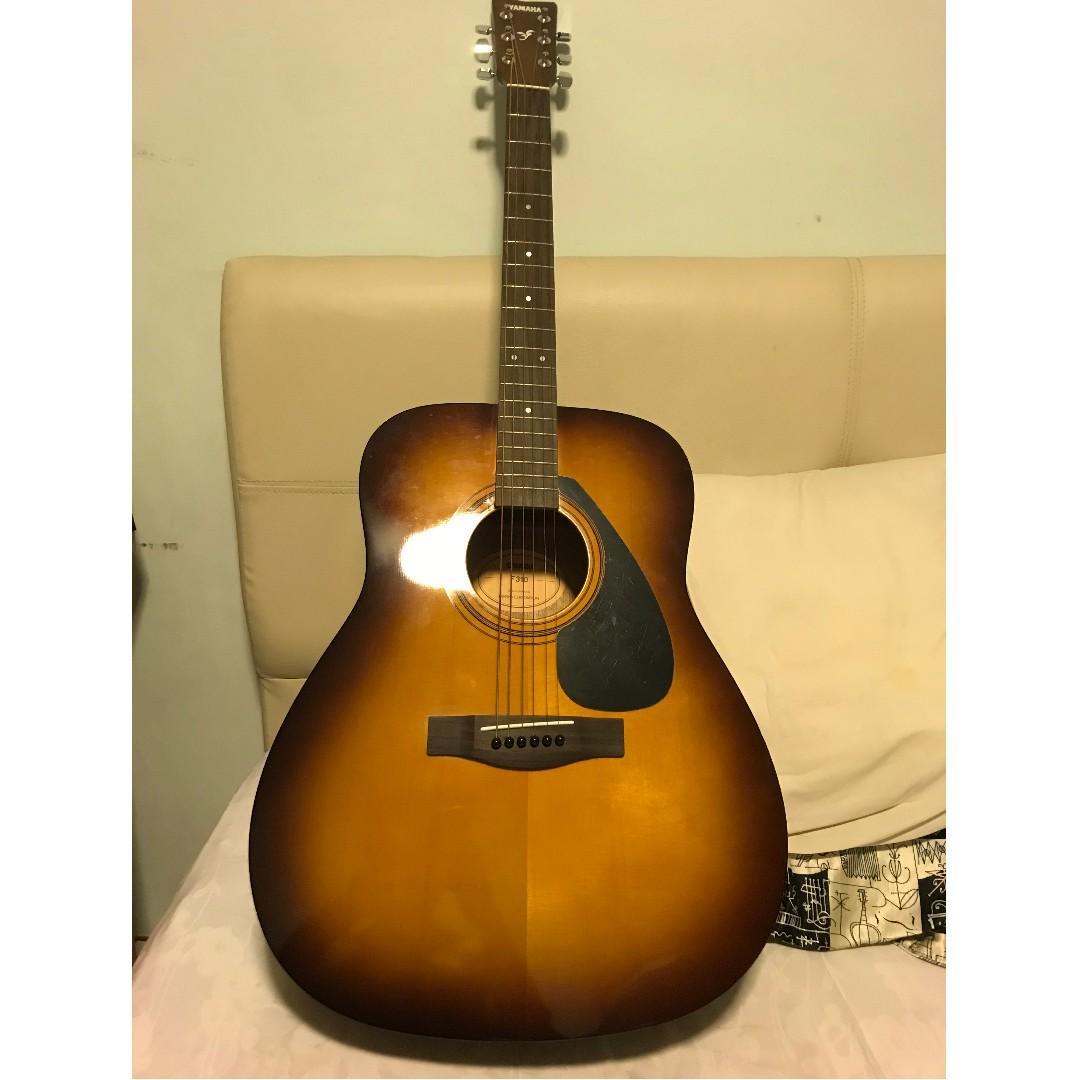 Yamaha F310 NT Acoustic Guitar Bundle with Ritter Dreadnaught Guitar Bag