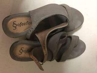 Sofeeticada wedge shoe
