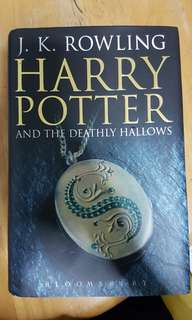 Harry Potter Deathly Hallows (Paperback)
