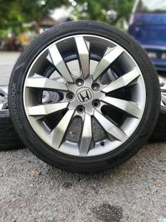 Original civic fd2 2.0 sports rim 17 inch tyre 70%. * ini rim confirm you suka *