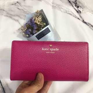 🚚 KATE SPADE 皮夾 桃紅色外皮 皮膚色內裡 超過十個卡夾 可放照片 全新