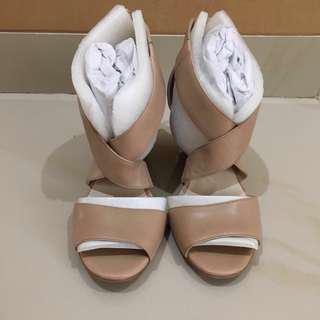 KENNETH COLE wedges nude