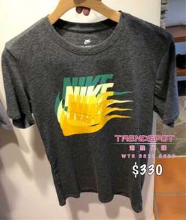 🆕 NIKE(3色)✔️ TEE  ➖➖➖➖➖➖➖➖➖➖➖➖➖➖➖ 👇查詢或訂購可直接click 以下link👇 https://goo.gl/gSpjru ➖➖➖➖➖➖➖➖➖➖➖➖➖➖➖ ✅ 歡迎使用 HSBC PAYME ‼️ ➖➖➖➖➖➖➖➖➖➖➖➖➖➖➖ 📲WhatsApp 68220680/ FB inbox https://www.facebook.com/trendspotonli/ Ig: trendspot buyer