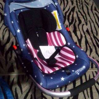 OTOMO CARRIER CARSEAT WITH ALUMINIUM HANDLE