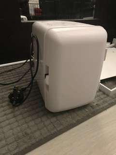 全白迷你冷暖冰箱雪柜暖柜white mini warm/cool fridge