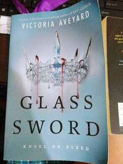Preloved Book (Glass Sword- ViCtoria Aveyard)