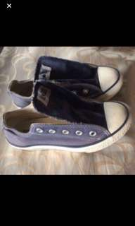 Repriced authentic convers unisex frm US