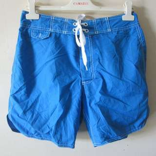 s30 Old Navy ladies board shorts