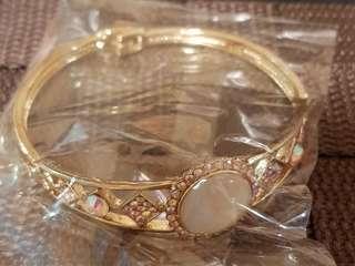 🚚 閃耀寶石金色硬式造型手環