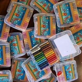 🚚 Personalised crayons
