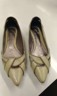 GIALLO pointed leather flats