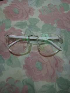 White and Clear Eyeglasses