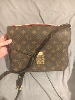 LOUIS VUITTON POCHETTE METIS msg for details