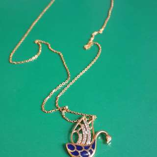 Swan necklace 3.2 grms