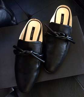 STEAL!!! ✨ Brandnew Leather Slip-On Loafers / Mules - Size 5