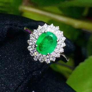 18K金鑲嵌鑽石哥倫比亞祖母綠戒指