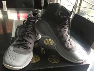 Stephen Curry 4 (under armour)