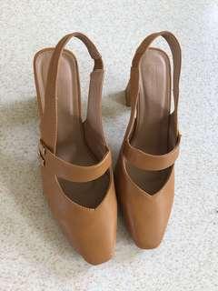 Parisian brown shoes