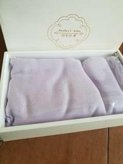 Nursing cover / shawl