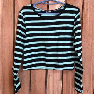 Green striped-sleeves