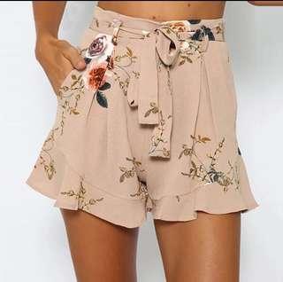 NEW floral shorts, Sz 8-10 (Med)