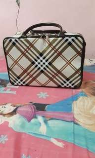 #Angelfans@Tas# koper# kulit# #sintentiss# #selempang# +reselting+karet+tali# #selempang# #bahan #tebal :warna #warni# #banyak# #kami distributor koper# #dewasa# #travelbag kulit# sintentiss#