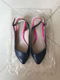 flat shoes ( charles and keith)