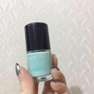 #maudecay Milky mint nail