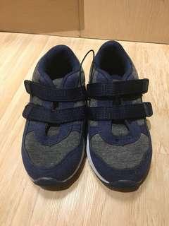 MC brand new kids shoes