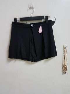 🚚 全新黑色造型褲裙#L