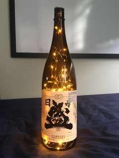 🚚 Sake Bottle Light