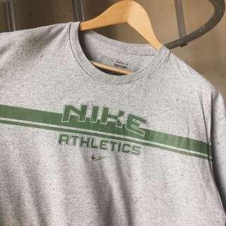 🚚 Vintage Nike Athletics Tee