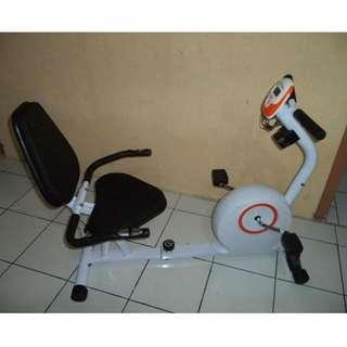 Alat Fitness Sepeda Statis Recumbent Bike - Alat Olahraga Excider Bike