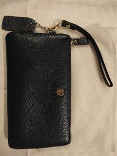 Hilly Leather wristlet