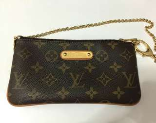 😍PRELOVED LV MILLA MM POCHETTE😍