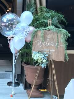 🚚 Rent: Wedding Welcome Sign Customisation & Props