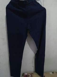 Celana jeans uniqlo biru navy
