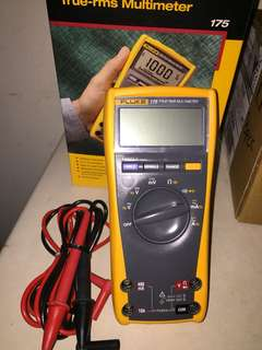Fluke 175 true-rms multimeter