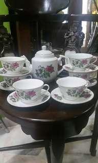 Tea set bunga kangkung