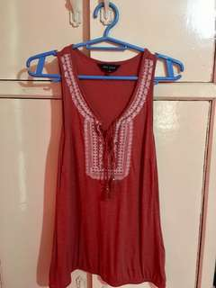 NEW LOOK TASSEL SLEEVELESS TOP