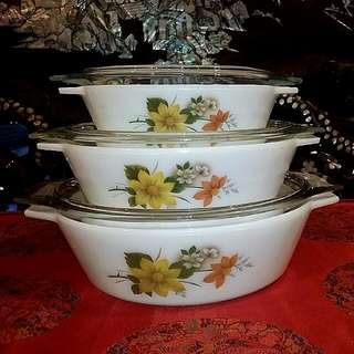 Pyrex England  3 Pcs Casserole  Bowls With Lid Autumn GLORY