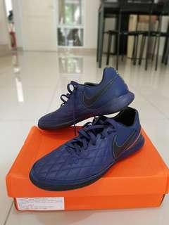 Sepatu futsal tiempo x finale (bukan seri ligera) 10R size 42.5