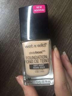 Wet n Wild Photofocus Foundation shade Soft Ivory