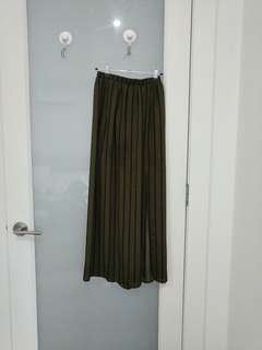 Maxi skirt with split sides